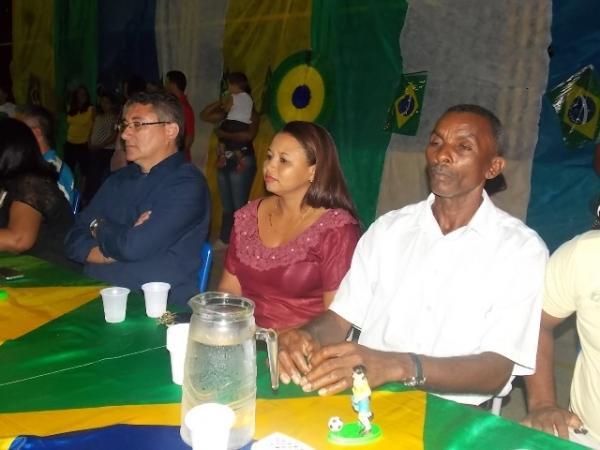Aniversário da cidade : Noite da educação foi um espetáculo em Canavieira  - Imagem 38