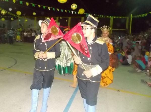 Aniversário da cidade : Noite da educação foi um espetáculo em Canavieira  - Imagem 17