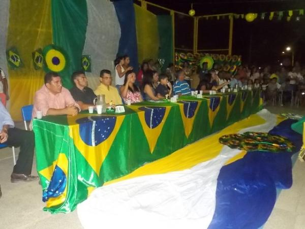 Aniversário da cidade : Noite da educação foi um espetáculo em Canavieira  - Imagem 65