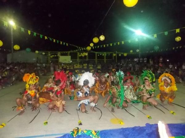 Aniversário da cidade : Noite da educação foi um espetáculo em Canavieira  - Imagem 4