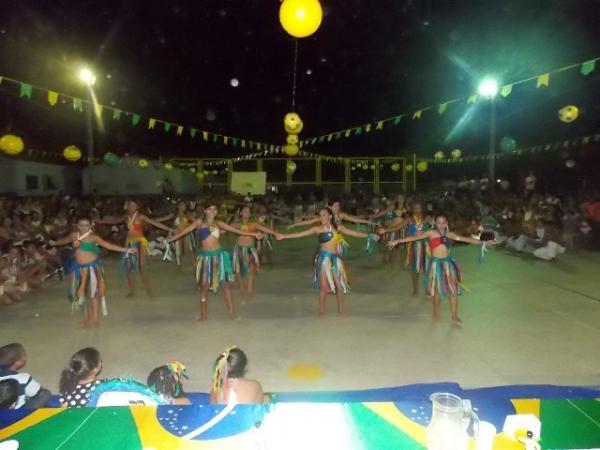 Aniversário da cidade : Noite da educação foi um espetáculo em Canavieira  - Imagem 54