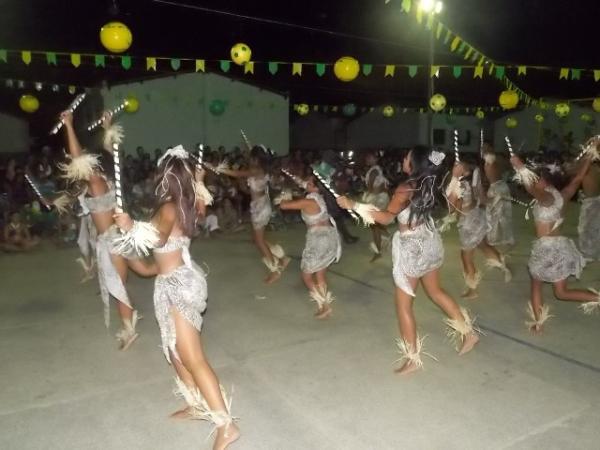 Aniversário da cidade : Noite da educação foi um espetáculo em Canavieira  - Imagem 60