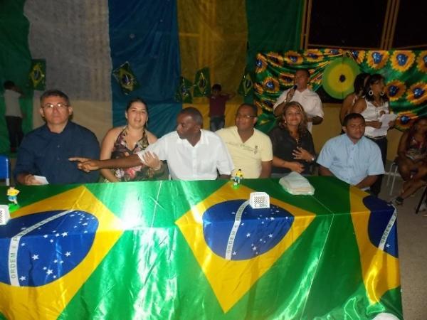 Aniversário da cidade : Noite da educação foi um espetáculo em Canavieira  - Imagem 81