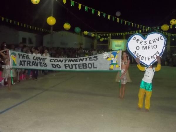 Aniversário da cidade : Noite da educação foi um espetáculo em Canavieira  - Imagem 74