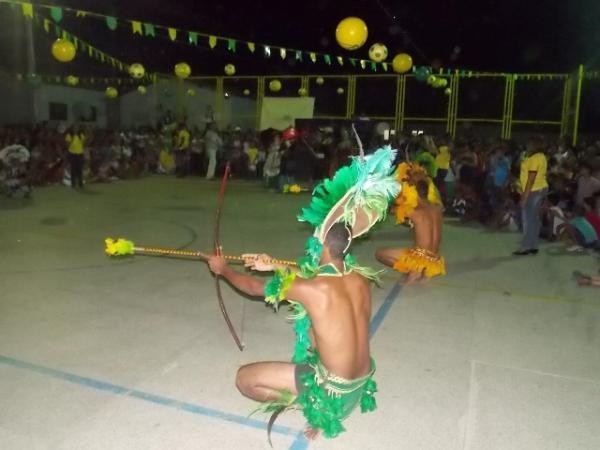 Aniversário da cidade : Noite da educação foi um espetáculo em Canavieira  - Imagem 28