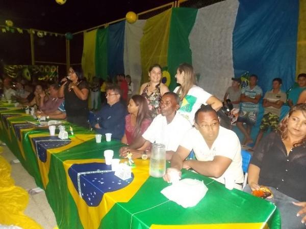 Aniversário da cidade : Noite da educação foi um espetáculo em Canavieira  - Imagem 1