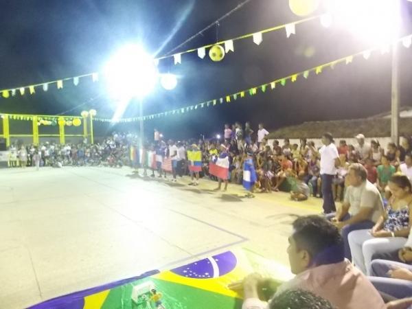 Aniversário da cidade : Noite da educação foi um espetáculo em Canavieira  - Imagem 68