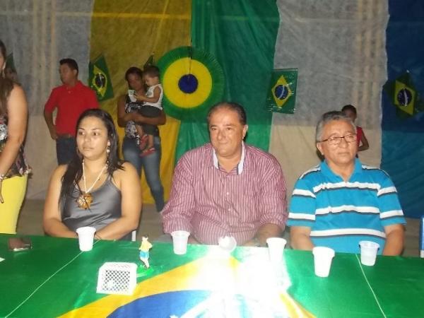 Aniversário da cidade : Noite da educação foi um espetáculo em Canavieira  - Imagem 37