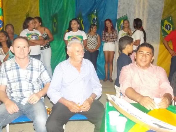 Aniversário da cidade : Noite da educação foi um espetáculo em Canavieira  - Imagem 35