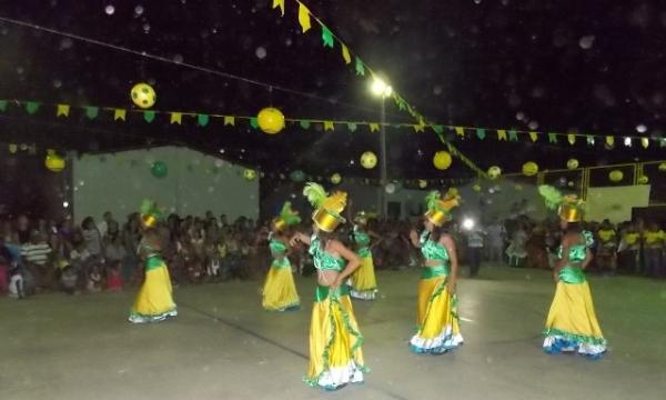 Aniversário da cidade : Noite da educação foi um espetáculo em Canavieira  - Imagem 14