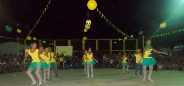 Aniversário da cidade : Noite da educação foi um espetáculo em Canavieira  - Imagem 49