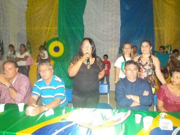 Aniversário da cidade : Noite da educação foi um espetáculo em Canavieira  - Imagem 3