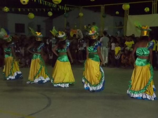 Aniversário da cidade : Noite da educação foi um espetáculo em Canavieira  - Imagem 16