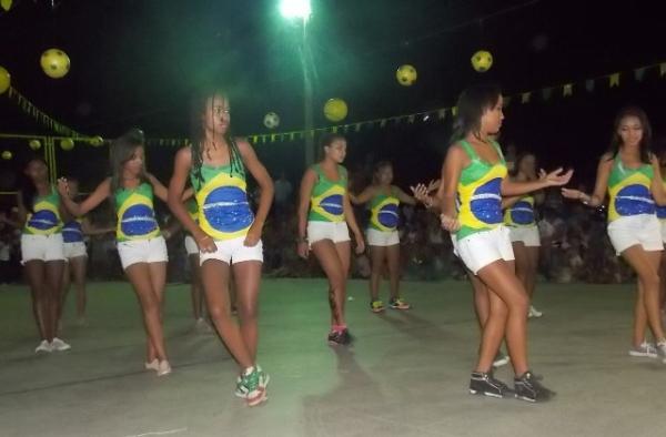 Aniversário da cidade : Noite da educação foi um espetáculo em Canavieira  - Imagem 48