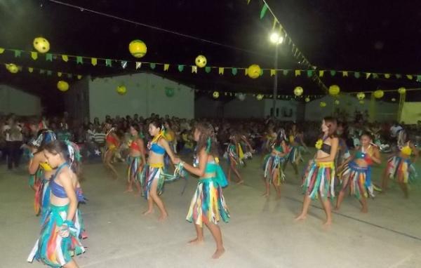 Aniversário da cidade : Noite da educação foi um espetáculo em Canavieira  - Imagem 56