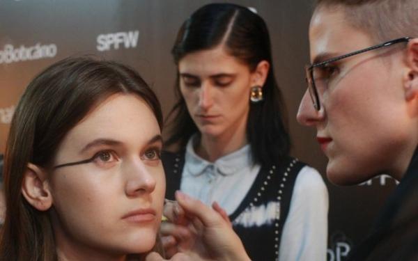 As tendências de beleza da SPFW verão 2015