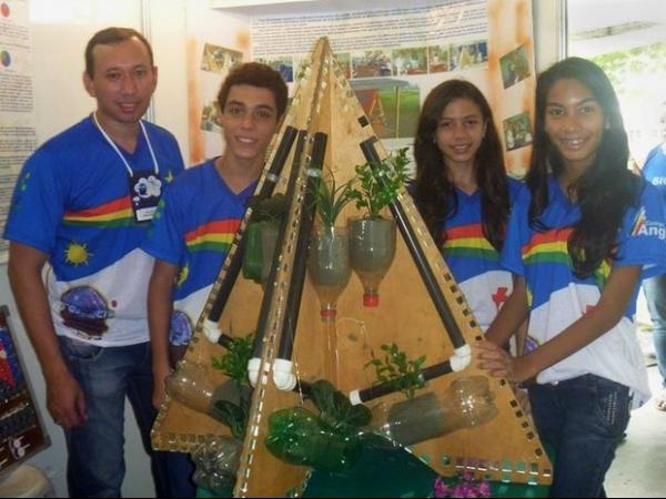 Estudantes do Amapá criam horta orgânica com material reciclável