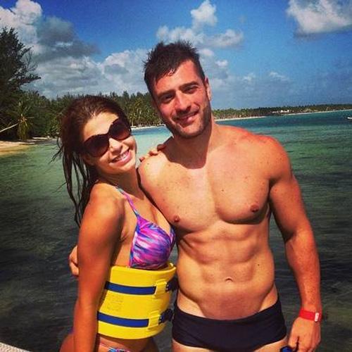 Ex-BBB Cacau faz viagem romântica com novo namorado fortão pelo Caribe