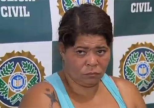 Mulher é presa por manter filha deficiente em cárcere privado na baixada; menina tinha feridas com insetos