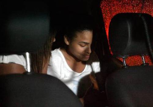 Mãe de jovem feita refém em ônibus diz que a filha é seu maior presente