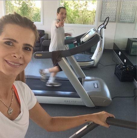 Luciano e Flávia Camargo se exercitam: