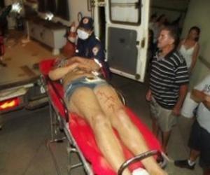 Oeiras: Mulher quebra garrafa no pescoço do marido durante briga em churrascaria