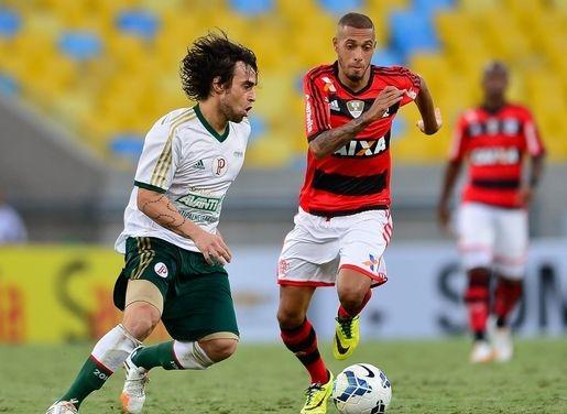 Valdivia fecha com empresário de Neymar para deixar Palmeiras após a Copa