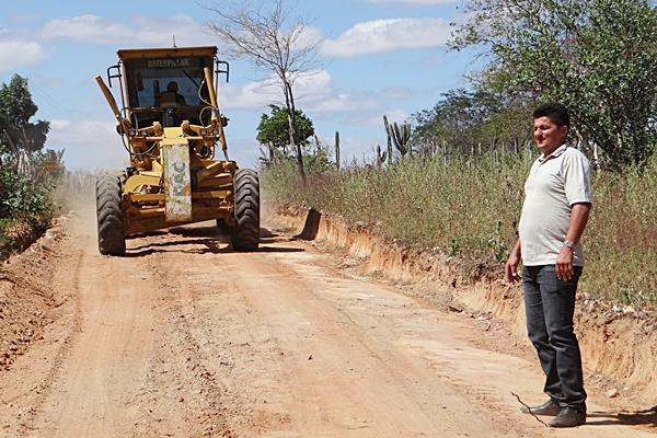 Prefeitura de Acauã srealiza a manutenção das estradas vicinais do município