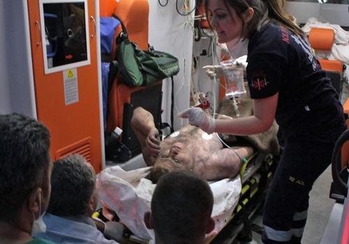 Homem  resgatado ap explos縊 em mina soterrar cerca de 200 na Turquia