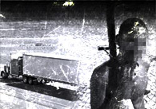 Ladrão tenta roubar lutador e acaba amarrado em poste