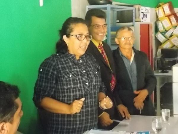 Prefeita Gadocha prestigia  reunião da Câmara de vereadores em Canavieira  - Imagem 8