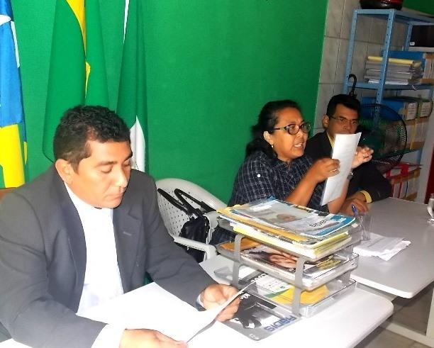 Prefeita Gadocha prestigia  reunião da Câmara de vereadores em Canavieira