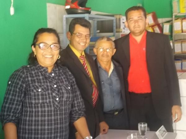 Prefeita Gadocha prestigia  reunião da Câmara de vereadores em Canavieira  - Imagem 6