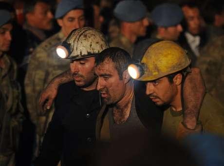 Número de mortos em acidente em mina na Turquia chega 245