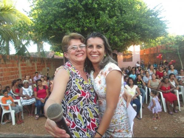 O CRAS de Cristalândia do Piauí nessa quarta-feira homenageou as mães com apresentações. - Imagem 19