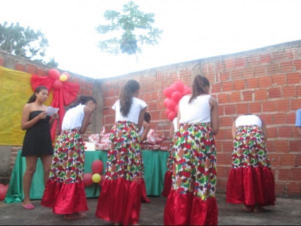 O CRAS de Cristalândia do Piauí nessa quarta-feira homenageou as mães com apresentações. - Imagem 2