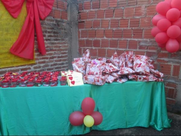 O CRAS de Cristalândia do Piauí nessa quarta-feira homenageou as mães com apresentações. - Imagem 7