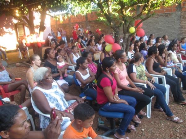 O CRAS de Cristalândia do Piauí nessa quarta-feira homenageou as mães com apresentações. - Imagem 17
