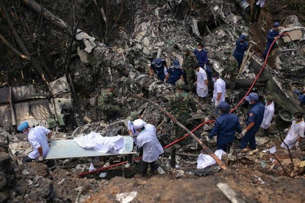 Acidente de avião no Laos deixa mortos, entre eles membros do governo