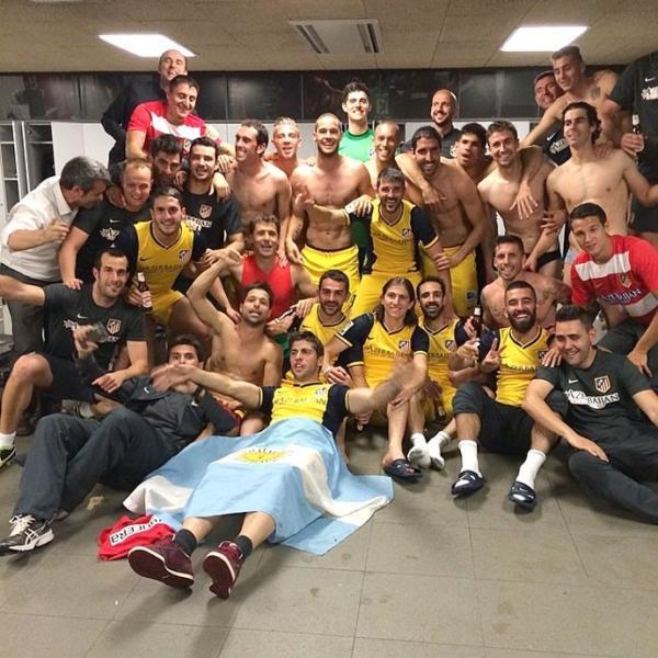 Jogadores do Atlético de Madri mostram corpos sarados em vestiário