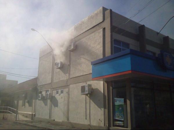 Pacientes são retirados de hospital de Osório, no RS, após incêndio