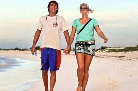 Homem  preso por e matar e comer um turista alem縊 e, em seguida, estuprar a sua namorada