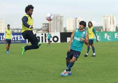 Após deixar Goiás, Carlos Alberto acerta retorno ao Botafogo
