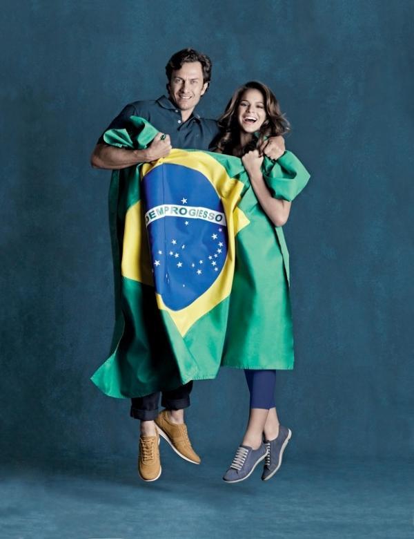 Bruna Marquezine e Gabriel Braga Nunes posam em clima de Copa
