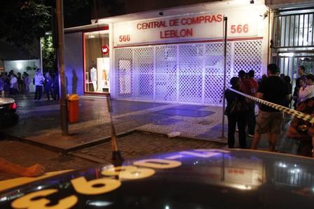 Ex-marido mata manicure a facadas no Leblon: