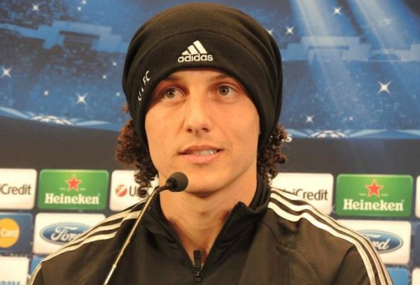 Jornal: PSG oferece R$ 186 milhões por David Luiz, e Chelsea deve aceitar