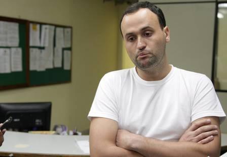 Viúvo é preso suspeito de ser o mandante da morte da esposa grávida, em São Gonçalo; ?Psicopata?, diz prima da vítima