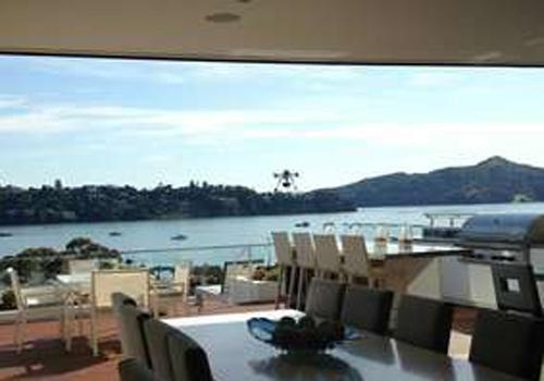 EUA: hotel oferece champanhe via drone para hpedes