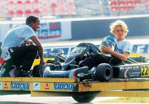 Hamilton corta relações com Rosberg após polêmica: