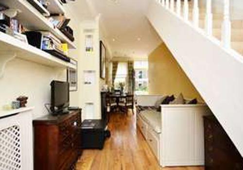 Mais estreita: casa com 2,5 m de largura custa R$ 1,6 milhão